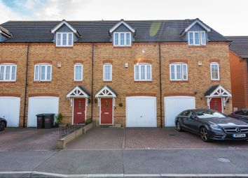 Quarry Close, Northfleet, Gravesend DA11. 3 bed town house