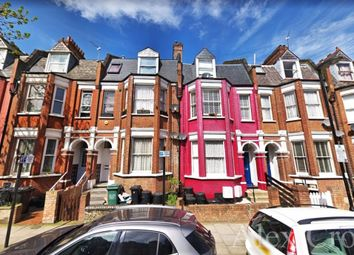 Room to rent in Birnam Road, London N4