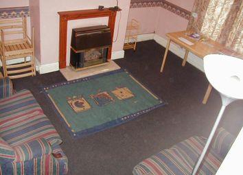 2 bed property to rent in Harold Mount, Hyde Park, Leeds LS6