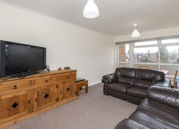 2 bed flat to rent in Croxley Rise, Maidenhead SL6