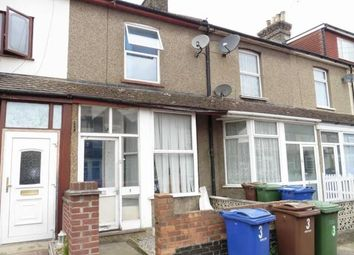Thumbnail 2 bed flat to rent in Kent Road Grays, Kent