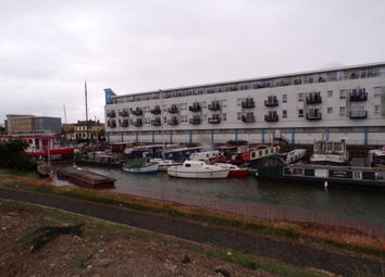 Thumbnail 1 bedroom flat to rent in Canal Road, Gravesend