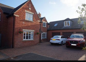 Thumbnail 5 bed detached house to rent in Fair Close, Rugby