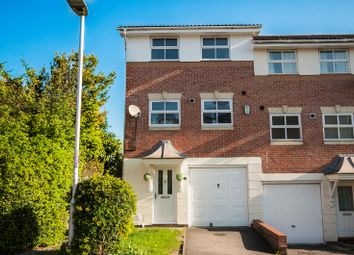 Thumbnail 3 bedroom town house for sale in Elm Park, Reading