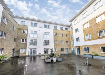 2 bed property to rent in Walnut Tree Park, Walnut Tree Close, Guildford GU1