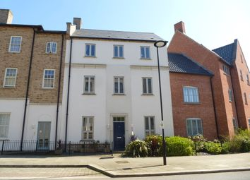 Thumbnail 6 bed town house for sale in High Street, Upton, Northampton