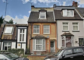 Thumbnail 3 bedroom town house for sale in Glenview Road, Boxmoor, Hertfordshire