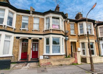 Thumbnail 2 bedroom flat for sale in Hamlet Road, Southend-On-Sea
