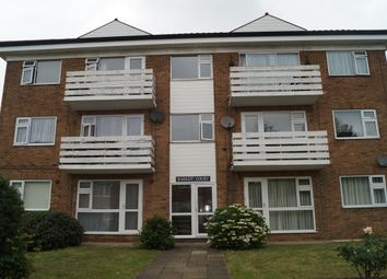 Thumbnail 2 bed flat to rent in Fairview Drive, Chigwell