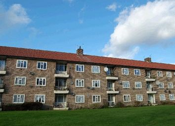 Thumbnail 2 bed flat to rent in Oakleigh Park North, London