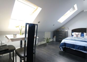 Thumbnail Room to rent in Hale End Road, London