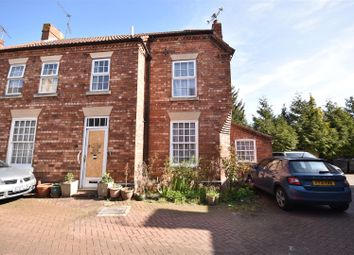 Thumbnail 2 bed property for sale in Cross Keys Yard, Sleaford