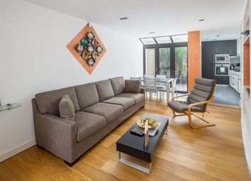 Thumbnail 3 bed town house to rent in Lynton Road, London