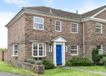 Thumbnail 3 bedroom town house for sale in Benyon Court, Bath Road, Reading