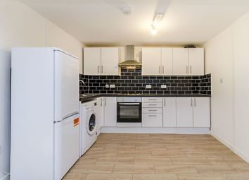Thumbnail 2 bed flat to rent in Derby Road, Southampton