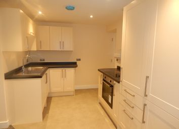 Thumbnail 2 bed flat for sale in Gainsborough Green, Abingdon