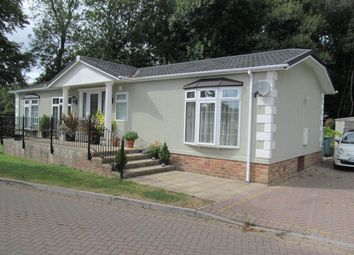 Thumbnail 2 bed mobile/park home for sale in Millers Way, Pilgrims Retreat (Ref 5414), Harrietsham, Maidstone, Kent