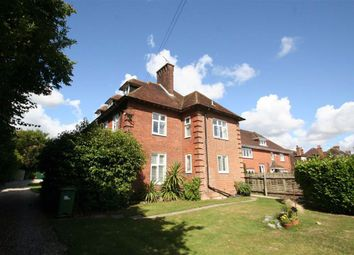 Thumbnail 1 bed flat to rent in Catherine Road, Newbury