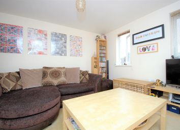 1 bed flat to rent in Tyndale Mews, Slough SL1