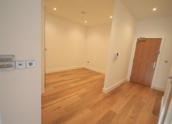 Thumbnail Studio to rent in Park Street West, Luton