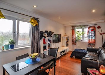 Thumbnail 2 bed flat for sale in Union Road, Bristol