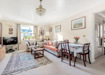 The Vale, London W3. 2 bed property