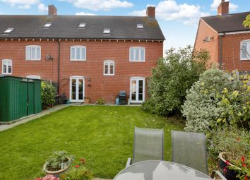 Thumbnail 5 bedroom town house for sale in Lodders Walk, Colchester