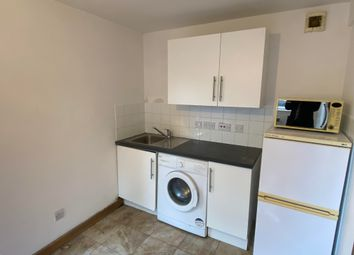 Thumbnail 1 bed flat to rent in Rayners Gardens, Southampton