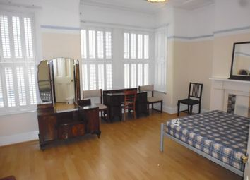 Thumbnail 4 bed flat to rent in Dorothy Road, Clapham Junction
