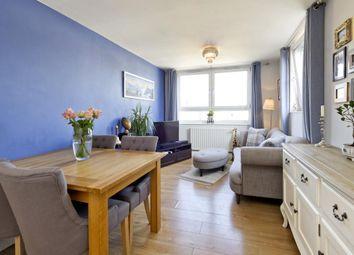 Kingham Close, London SW18. 1 bed flat for sale
