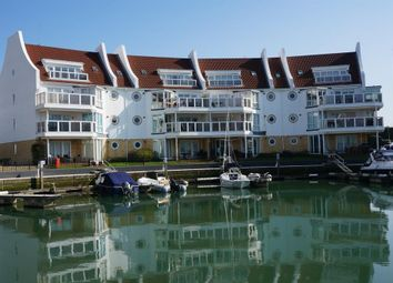 Thumbnail 3 bedroom flat to rent in Lake Avenue, Hamworthy, Poole