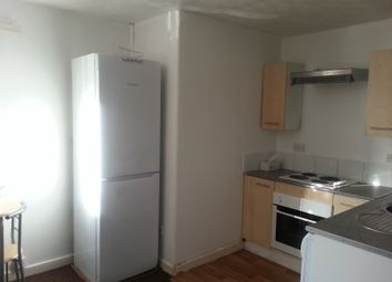 Thumbnail 2 bedroom flat to rent in Raymond Road, Ilford