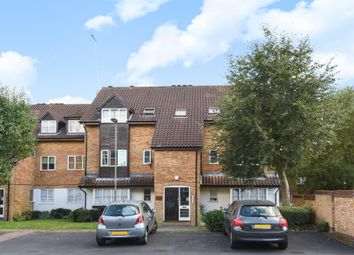 Thumbnail 2 bed flat for sale in Boleyn Way, New Barnet EN5,