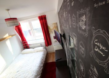 Thumbnail Room to rent in Darling Row, London