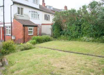 Thumbnail 6 bed property to rent in Trelawn Crescent, Headingley, Leeds