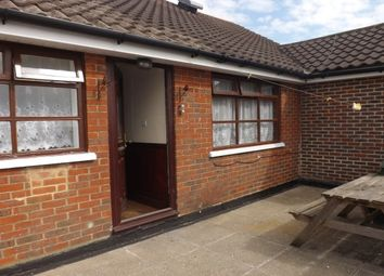 Thumbnail 4 bed flat to rent in Milton Road, Cowplain, Waterlooville
