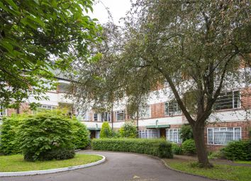 Hermitage Court, Woodford Road, London E18. 2 bed flat