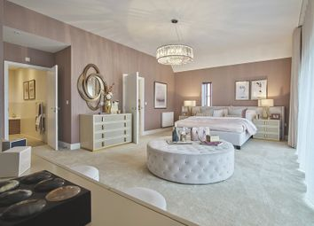 Thumbnail 5 bed town house for sale in Linge Avenue, Off Centenary Way, Chelmsford, Essex