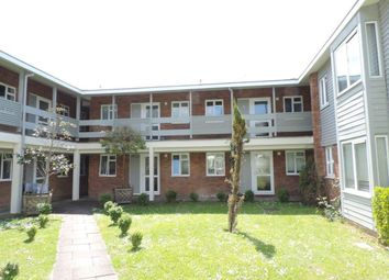 Thumbnail 1 bed flat to rent in Cross Lanes, Guildford