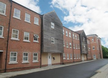 Thumbnail 3 bed flat for sale in Pine Street, Aylesbury