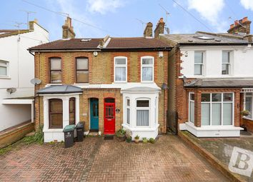3 bed semi-detached house to rent in Park Road, Gravesend, Kent DA11