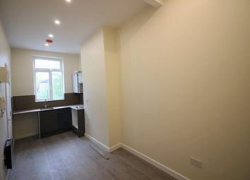 Thumbnail Studio to rent in High Street, South Norwood