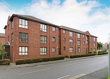 Thumbnail 2 bed flat for sale in 33 Rutherford Court, Kirkcaldy