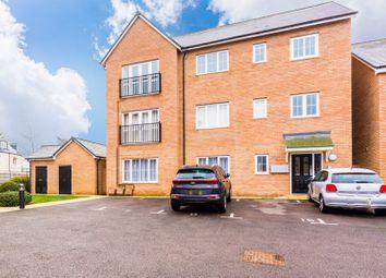 2 bed flat to rent in Tenor Close, Buckingham MK18