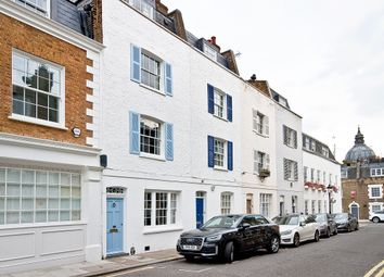 Thumbnail 3 bed town house to rent in Fairholt Street, London
