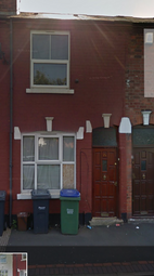 3 bed terraced house to rent in Wellington Road, Tipton DY4