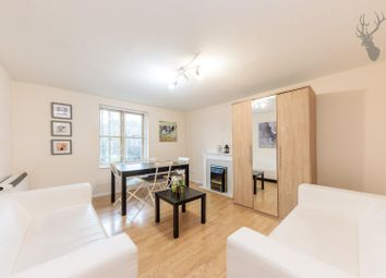 2 bed property to rent in Stoneyard Lane, London E14