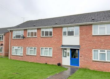 Thumbnail 2 bed flat to rent in Hyde Road, Gillingham