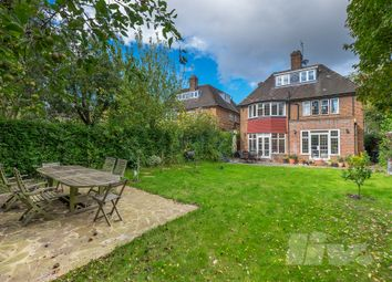 Thumbnail 5 bed terraced house to rent in Middleway, Hampstead Garden Suburbs