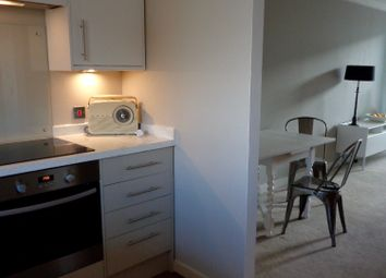 Thumbnail 3 bed flat to rent in Cheapside, Brighton